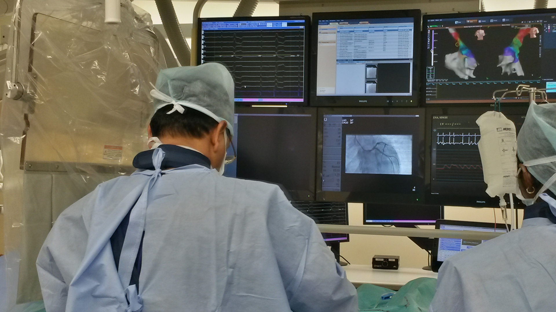 Dr Ravi Kishore performing angiogram at Health City Cayman Island