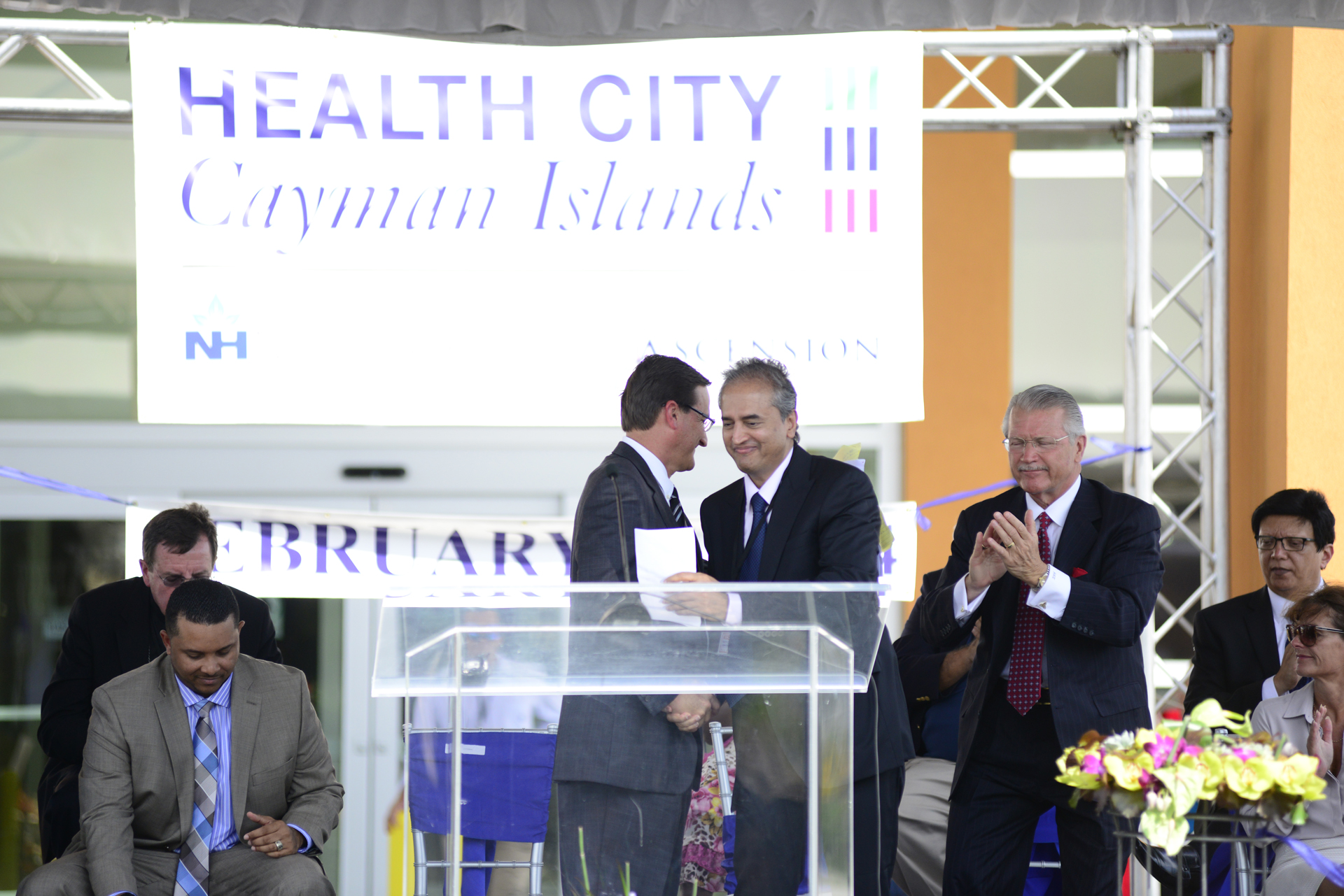 Gene Thompson and Dr Shetty at Health City Cayman Islands Grand Opening