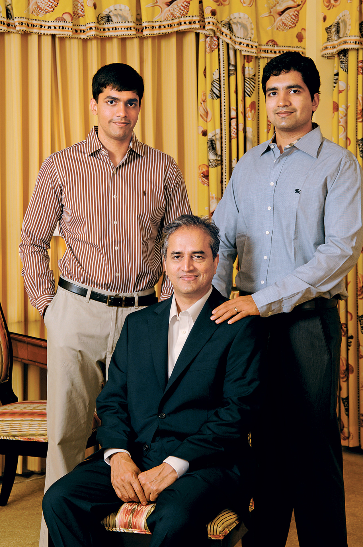 Dr Shetty with sons Viren Shetty and Varun Shetty